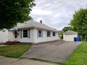 913 5 Street N, Fargo, ND 58102