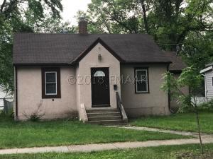 817 COLLEGE Street N, Fargo, ND 58102