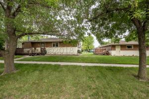 826 10TH Avenue E, West Fargo, ND 58078