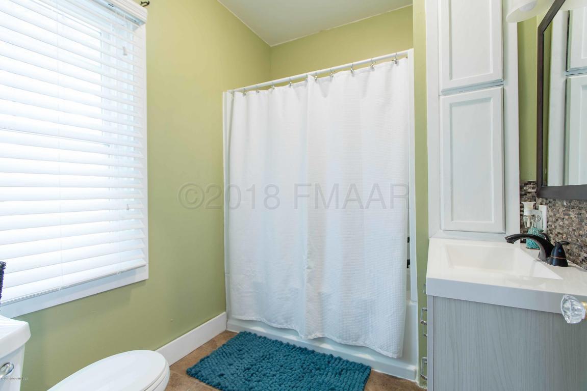 601 E CHANNING Avenue, Fergus Falls, MN 56537 (MLS# 18-3799 ...