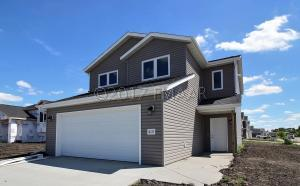 415 13 Avenue NW, West Fargo, ND 58078