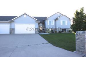 841 30TH Street S, Moorhead, MN 56560