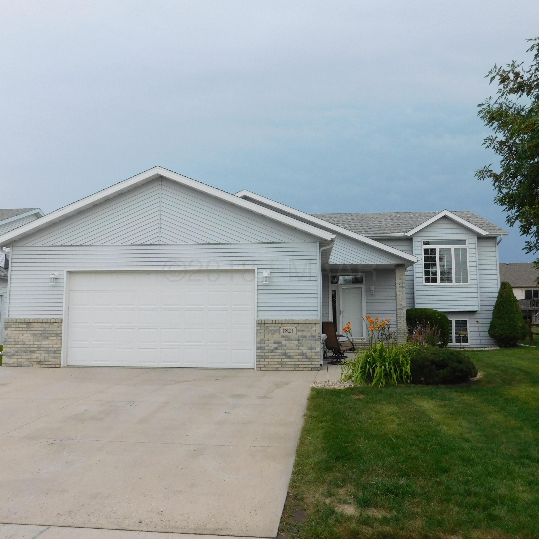 1821 7 Street W, West Fargo, ND 58078