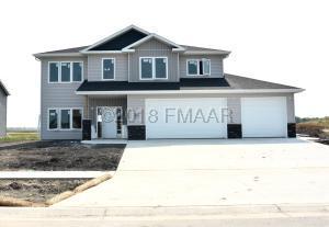1077 WILDFLOWER Lane W, West Fargo, ND 58078