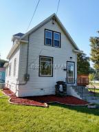 920 3RD Street N, Fargo, ND 58102