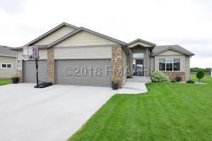 6417 56th Ave S, Fargo - Welcome Home!!