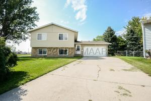 2904 15TH Avenue S, Moorhead, MN 56560
