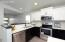 1226 HIGHLAND Lane W, West Fargo, ND 58078