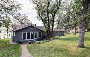 22748 SENNS BEACH Road, Detroit Lakes, MN 56501