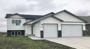 216 6TH Street E, Horace, ND 58047