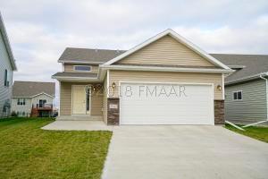 5943 57 Avenue S, Fargo, ND 58104