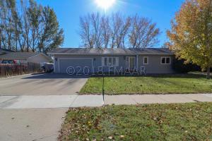 2108 29 Avenue S, Fargo, ND 58103