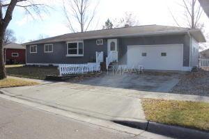 702 3 Avenue SE, Barnesville, MN 56514