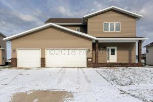 1235 GOLDENWOOD Drive, West Fargo, ND 58078