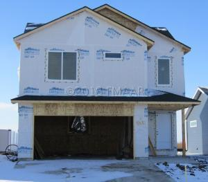 8081 GOLDFINCH Drive, Horace, ND 58047