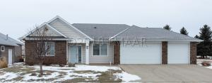 706 VILLA PARK Way, West Fargo, ND 58078