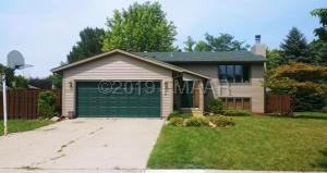 2307 26 1/2 Court S, Fargo, ND 58103