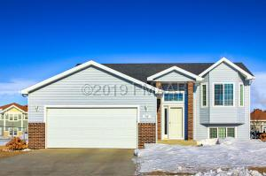 4249 RUSSET Avenue S, Fargo, ND 58104
