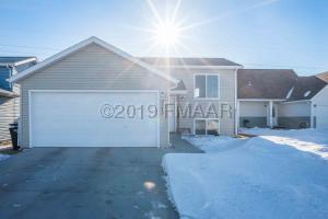 2372 63 Avenue S, Fargo, ND 58104