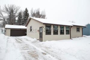 319 7 Avenue E, West Fargo, ND 58078