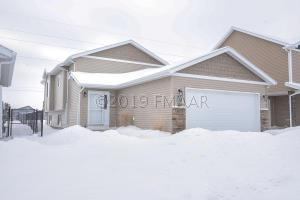 425 FOXTAIL Drive E, West Fargo, ND 58078