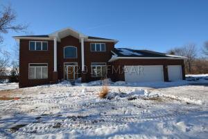 4021 COPPERFIELD Court, Fargo, ND 58104