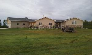 6009 COUNTY RD 3, Walcott, ND 58077