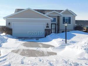 4284 31 Avenue S, Fargo, ND 58104