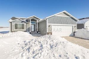 520 13 Avenue NW, West Fargo, ND 58078