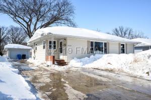 2214 BROADWAY N, Fargo, ND 58102
