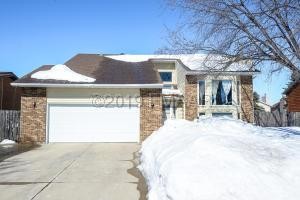2825 24 Avenue S, Fargo, ND 58103