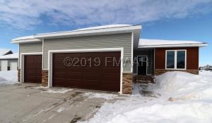 6015 AUTUMN Drive S, Fargo, ND 58104