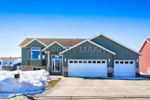 809 5 Avenue NE, Dilworth, MN 56529