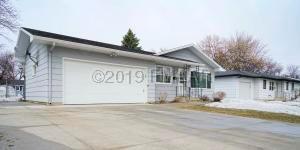 1321 17 Street S, Fargo, ND 58103