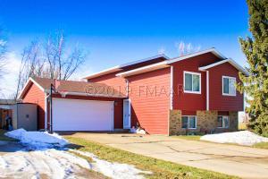 1626 36 Avenue S, Fargo, ND 58104
