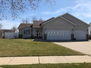 3224 35 1/2 Court S, Fargo, ND 58104