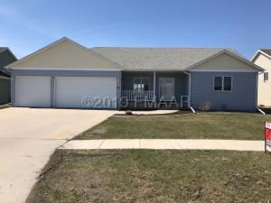 3665 FILLMORE Street S, Fargo, ND 58104
