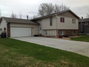 518 18TH Avenue N, Wahpeton, ND 58075