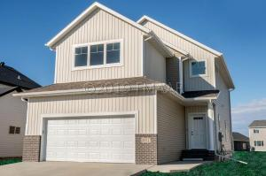 5517 8TH Street W, West Fargo, ND 58078