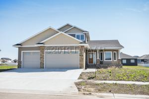 3638 CORDOVA Loop S, Fargo, ND 58104