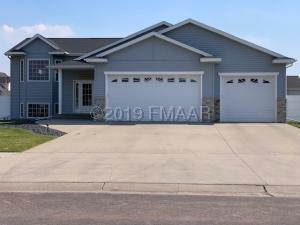 5599 FARMSTEAD Court S, Fargo, ND 58104