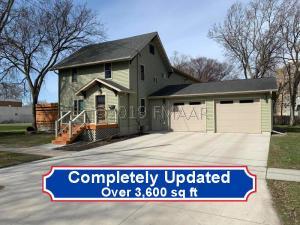 221 10TH Street N, Moorhead, MN 56560