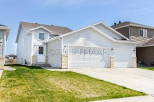 5437 JUSTICE Drive S, Fargo, ND 58104