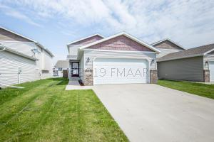 2587 55TH Avenue S, Fargo, ND 58104