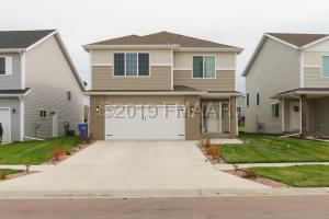 5940 57TH Avenue S, Fargo, ND 58104