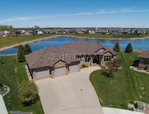 1516 JOHNSON Drive, Moorhead, MN 56560