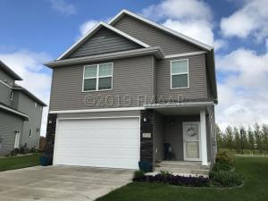 920 41 Avenue W, West Fargo, ND 58078