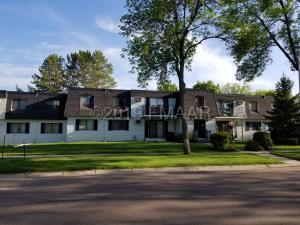 210 35 Avenue N, Fargo, ND 58102