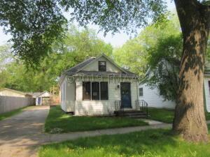 810 OAK Street, Grand Forks, ND 58201