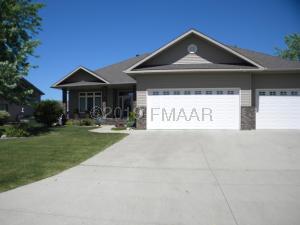 868 32ND Street S, Moorhead, MN 56560
